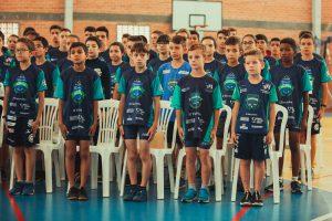Escolinha de Triathlon alia esporte e educação