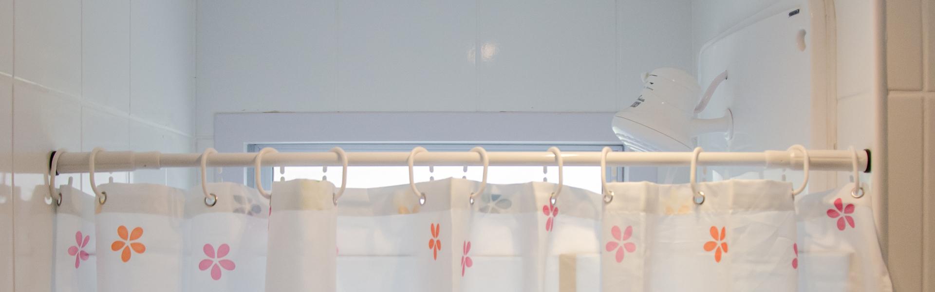 Banheiro - Cortina, Varão e Espelho