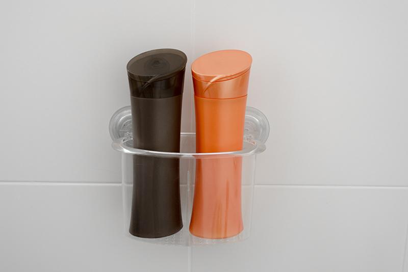 Imagem meramente ilustrativa. Porta-objetos com Divisórias na cor CRIST ambientado no banheiro.