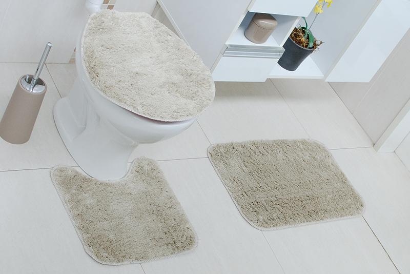 Imagem meramente ilustrativa. Kit de tapetes de Tecido (Stilo) na cor argila 2 no banheiro.