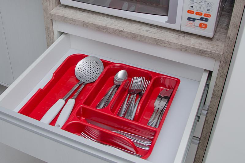 Imagem meramente ilustrativa. Organizador com Gaveta Extensível ambientado na cozinha.